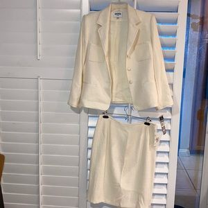 Kasper Petite 2 piece skirt suit